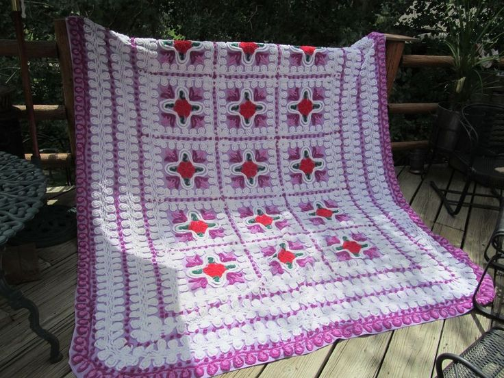 VINTAGE CHENILE PURPLE BEDSPREAD MULTI COLOR FLOWERS BEAUTIFUL 92 X 104