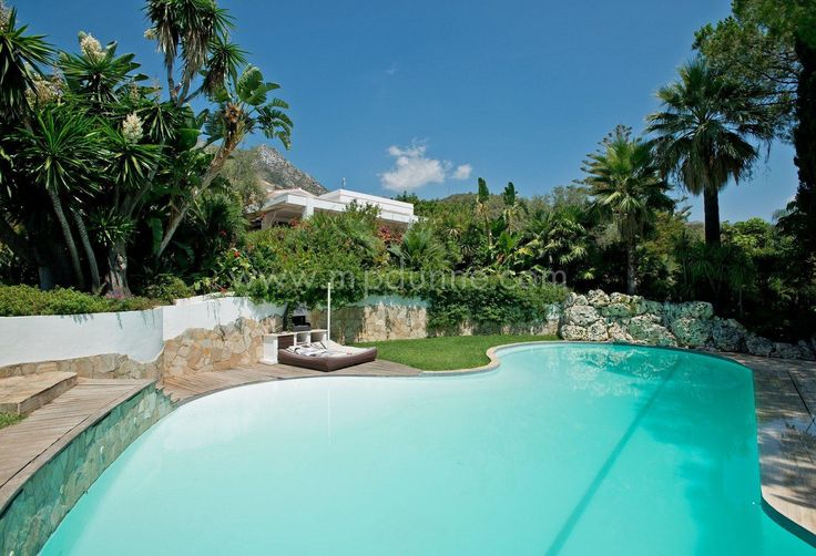 Sit back, relax and enjoy the view at this stunning 6 bedroom #villa in Cascada de Camojan, Marbella Golden Mile #Marbella #Realestate http://www.mpdunne.com/en-MPV2360_villa-cascada+de+camojan-marbella+golden+mile.html
