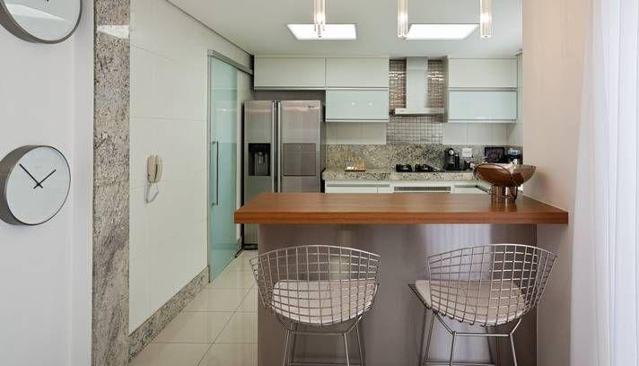 Inspiração para quem deseja agregar a sala com a cozinha.
