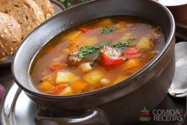 Receita de Sopa goulash - Comida e Receitas