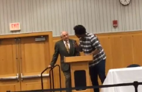 Student protesters aggressively mock, harass Charles Murray as some rush stage at UMich