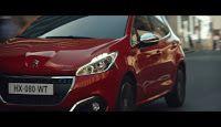 """La nuova campagna della Peugeot 208 dal claim""""Connected Energy"""" si fa notare anche per la musica di sottofondo, un originale brano che aveva giù animato le scene a bordo piscina di una campagna Tre della scorsa estate."""