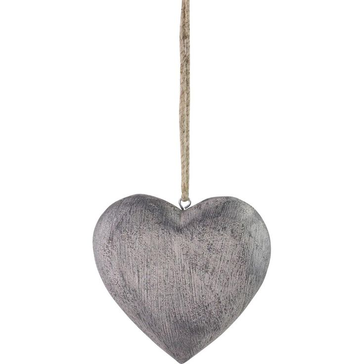 Pallavini hanging heart