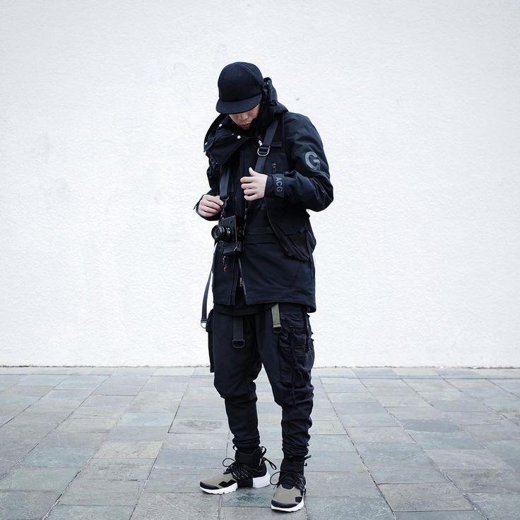 """Polubienia: 2,908, komentarze: 35 – Smirk (@smir.k) na Instagramie: """"Techwear 心亂如麻,麻卻如繩 繩若能解,則心如止水 - 在這個紛亂複雜的世代 要能把心中的繩結平靜的解開 不容易..."""""""