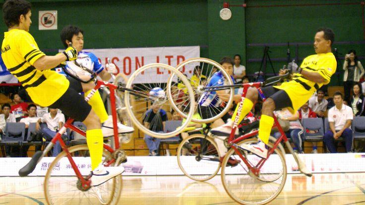 Le cycle-ball, un sport mélangeant le vélo et le foot | Fixie Singlespeed, infos vélo fixie, pignon fixe, singlespeed.