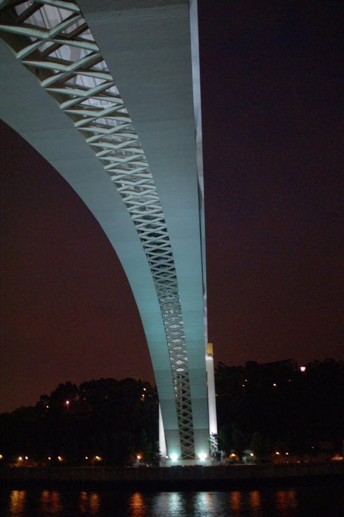Arrabida bridge - Porto , Portugal