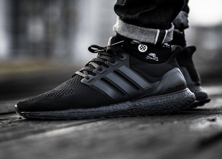 Adidas Ultra Boost - Triple Black - 2016 (by timboslice1337)