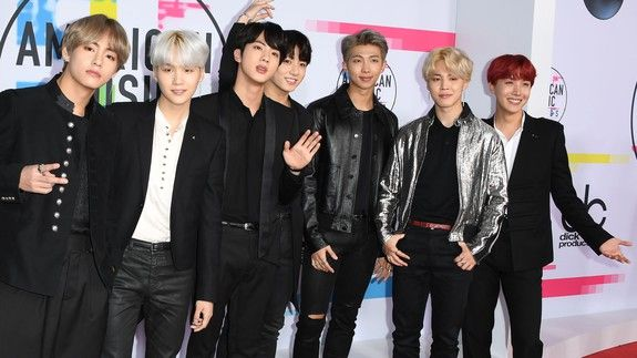 South Korean boy band BTS just absolutely slayed the 2017 AMAs
