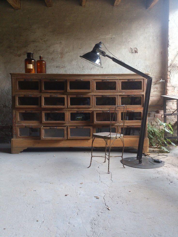 Pi di 25 fantastiche idee su mobili in stile industriale for Casa in stile ranch rialzato