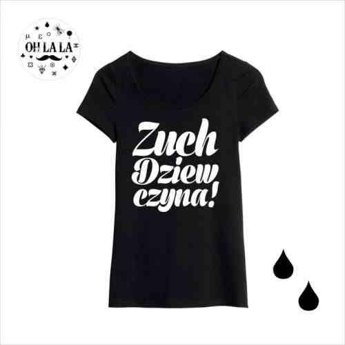 T-shirt w czarnym kolorze ,rozmiary XS,S,M,L z fajnym sloganem;) Nadruk wykonany w technologii druku flex.Nie pęka, nie spiera się!.Bardzo miękka dzianina,milutka w dotyku w KuferArt.pl