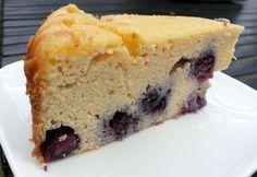 Een soort gebakken kwarktaart, maar nu is de cake koolhydraatarm. Zonder suiker, gluten of granen. Met de blauwe bessen en gezoet met stevia GI-laag.