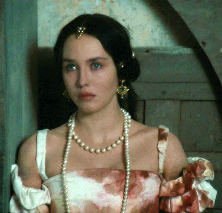 a review of the film queen margot by patrice chereau La reine margot directed by: patrice chéreau starring: rated the #66 best film of 1994 queen margot (tr/en) die bartholomäusnacht.