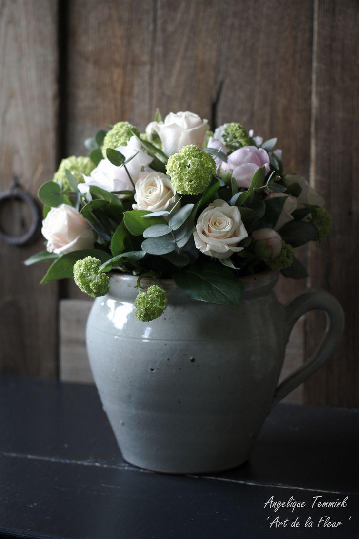""""""" Art de la Fleur """" www.artdelafleur7.nl Angelique Temmink Waalboer. Peonies , roses , Confit Pottery , Viburnum . Rozen , Pioen rozen , Sneeuwballen. Sobere & Landelijke Bloemschik - Workshops , Goedereede. Holland."""