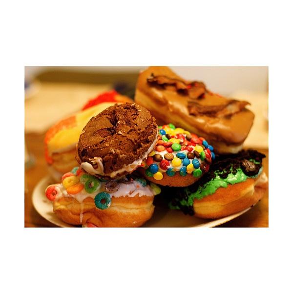 Пончики и пирожные)))))ммммм... — клуб «Америка» ❤ liked on Polyvore