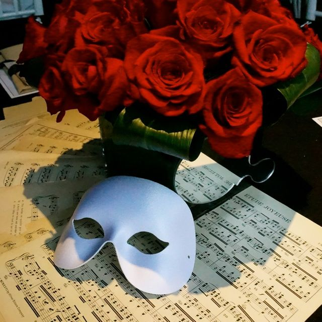 Best 25 Sheet Music Wedding Ideas Only On Pinterest: 25+ Best Ideas About Red Rose Arrangements On Pinterest