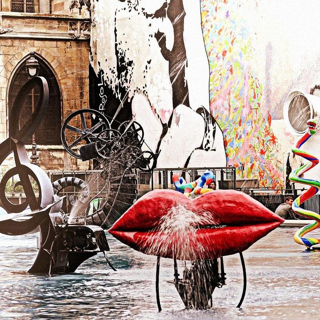 The Stravinsky fountain behind the Centre Pompidou