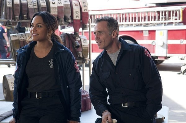 Monica Raymund and David Eigenberg in Chicago Fire picture - Chicago Fire picture #25 of 62
