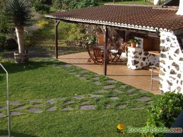Best 100 barbacoas cocinas y pergolas para exteriores de jard n images on pinterest decks - Jardines con barbacoa ...