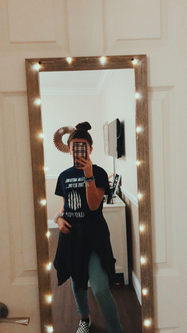 <— pin: angelinamartinezzz—> | Mirror selfie poses, Mirror pictures selfie, Mirror selfie