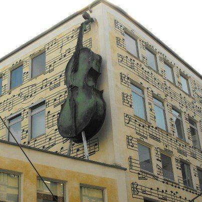 La maison de la musique ! / Street art.