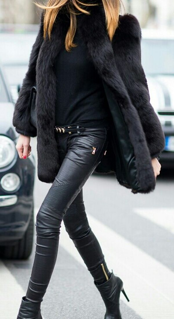 -All black outfit -Leather trousers -Black boots -Black rollneck -Faux fur coat