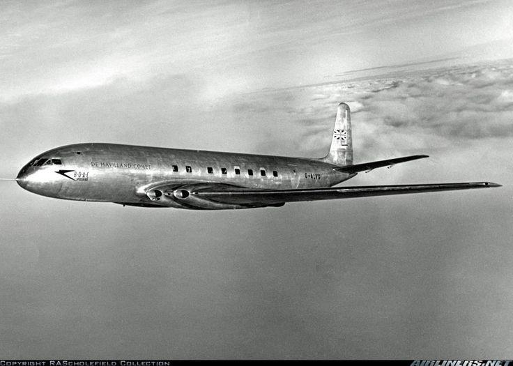 de Haviland Comet (GB) first jet powered airliner. Beautiful, but prone to metal fatigue and catastrophic depressurization. [pr]