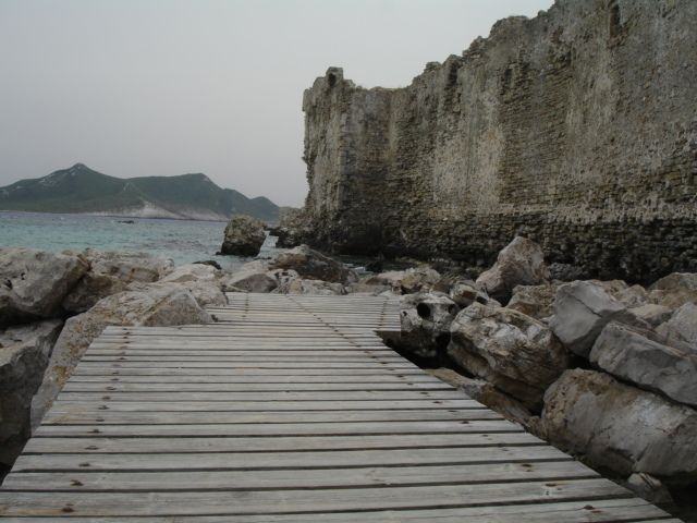 The castle of Methoni on a cloudy day! #greece #peloponnese #messinia #methoni #winteriscoming #archaeology