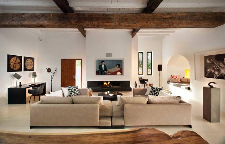 Living Room : Salas de estar mediterrâneas por TG Studio