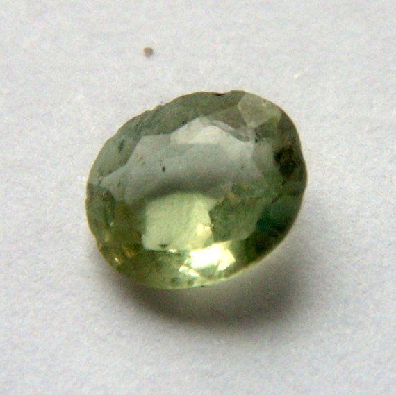Chrysoberyl beautiful stone Ceylon. 0.5 carat oval от ODMIVINTAGE