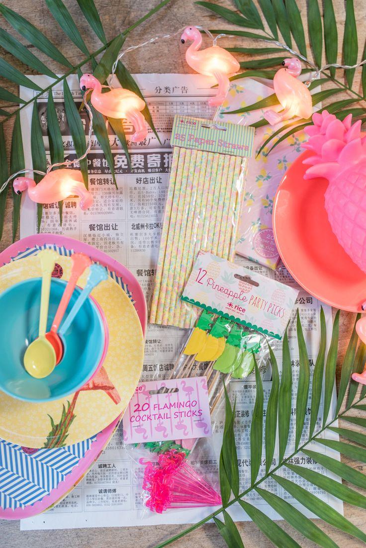 tischdeko zu silvester im club tropicana style mit deko in bunten farben von rice. Black Bedroom Furniture Sets. Home Design Ideas