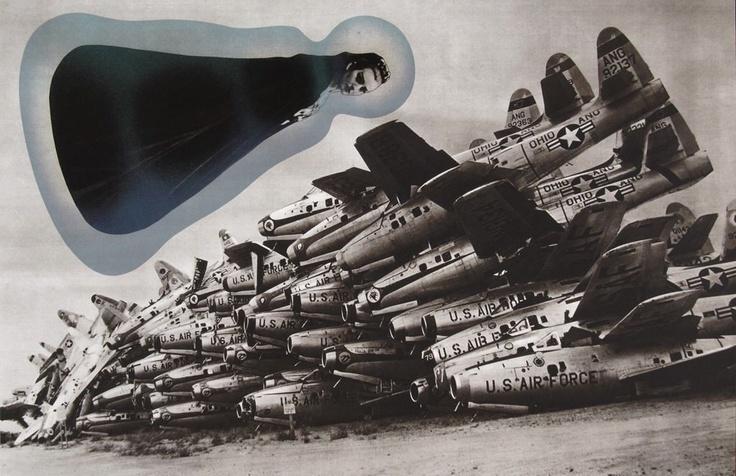 Montage avec une photo d'avions américains