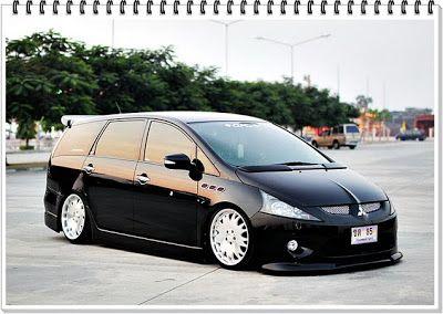 Wagon LifeStyle: Thailand: Mitsubishi Space Wagon aka Grandis