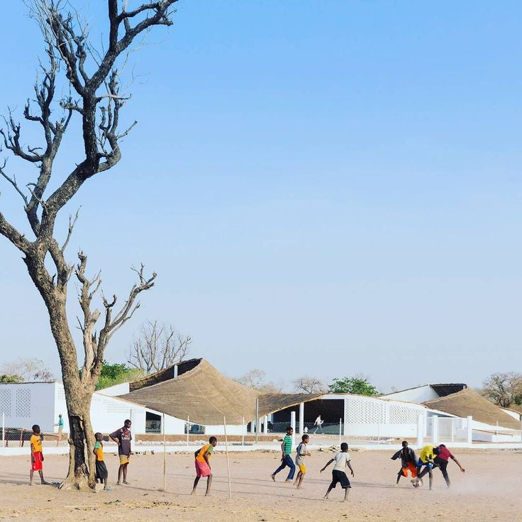 New Artist Residency in Senegal / Toshiko Mori Architects; Iwan Baan Photography 2015  the customary pitches roof is inverted and will be capable of collecting approximately 40% of the villagers domestic water usage in fresh rainfall.  #ToshikoMori #IwanBaan #Architecture #Design #Architecture_LEAD #Sustainability #community #Sinthian #Senegal Re-post by Hold With Hope