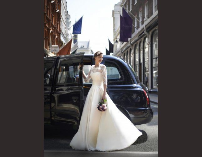 Robe de mariée princesse Stephanie Allin 2014