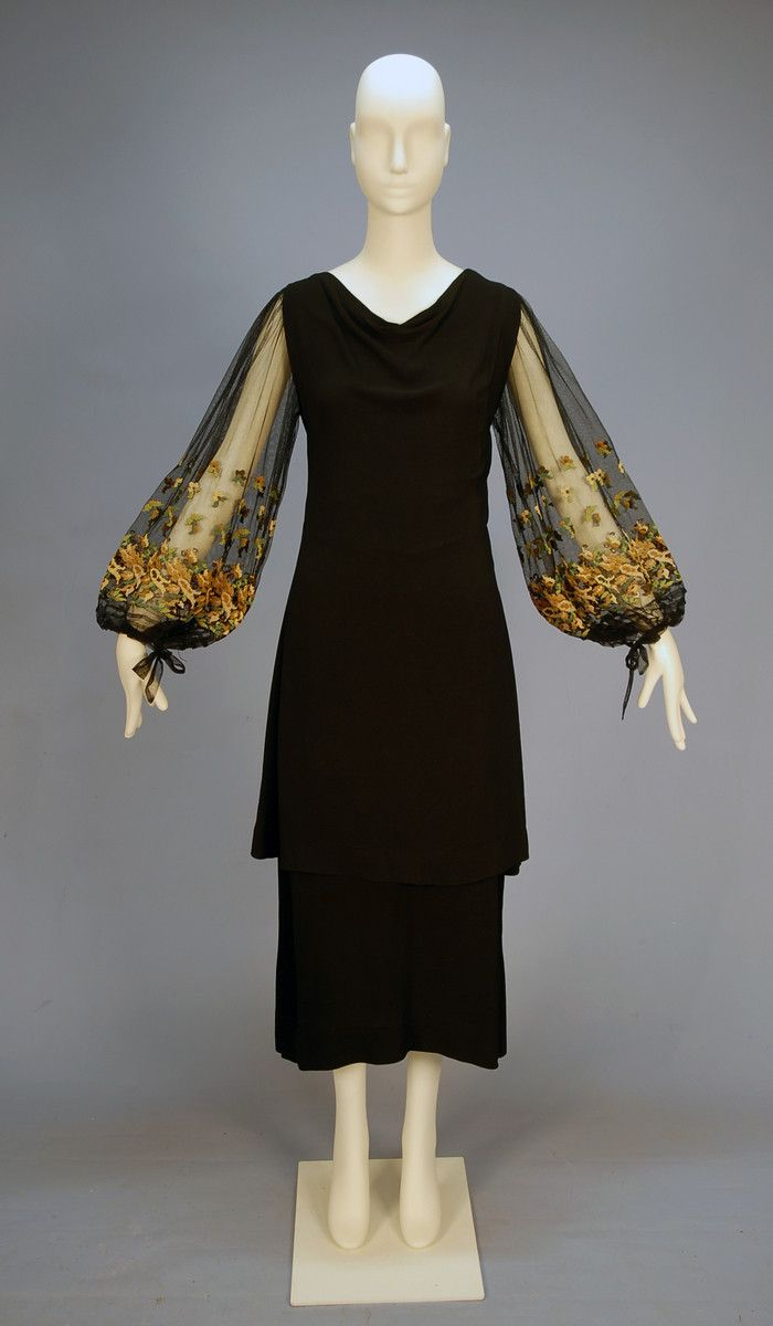 Crepe and net cocktail dress with needlepoint 1930's