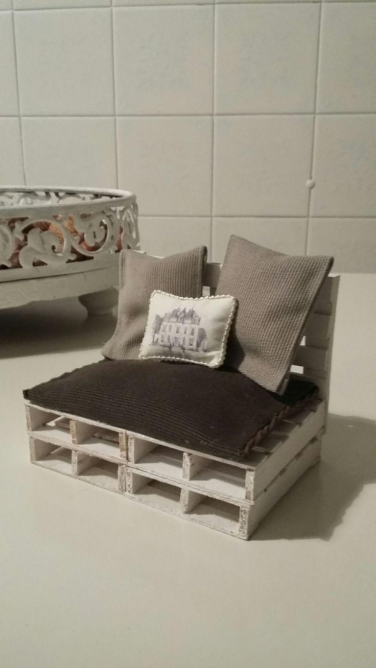 17 migliori idee su divano pallet su pinterest mobili - Divano pallet istruzioni ...