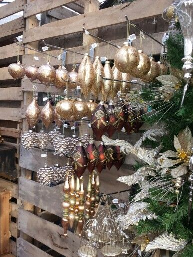 DF rustic chic retail for 2013 Holiday set. Cant wait!