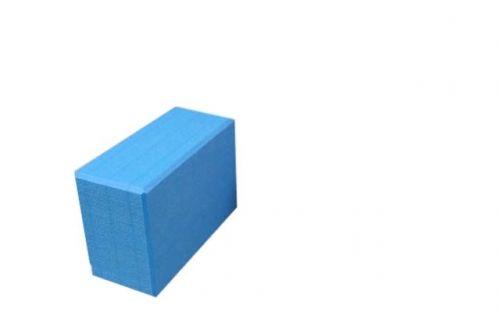 Miljøvennlig yogablokk av skum. Blokken er lett, slitesterk og lett å gripe. En yogablokk vil hjelpe deg med økt stabilitet og lengde til dine stillinger slik at det blir enklere å gjøre øvelsene riktig.  Eco-blokken er laget av høyeste kvalitet med et miljøvennlig materiale uten kjemisk lukt og er et godt alternativ til blokker av tre eller kork. Blokken veier lite og kan derfor enkelt tas med på reiser.   Dimensjon: 23 cm x 15 x 10 Vekt: 0.23 kg