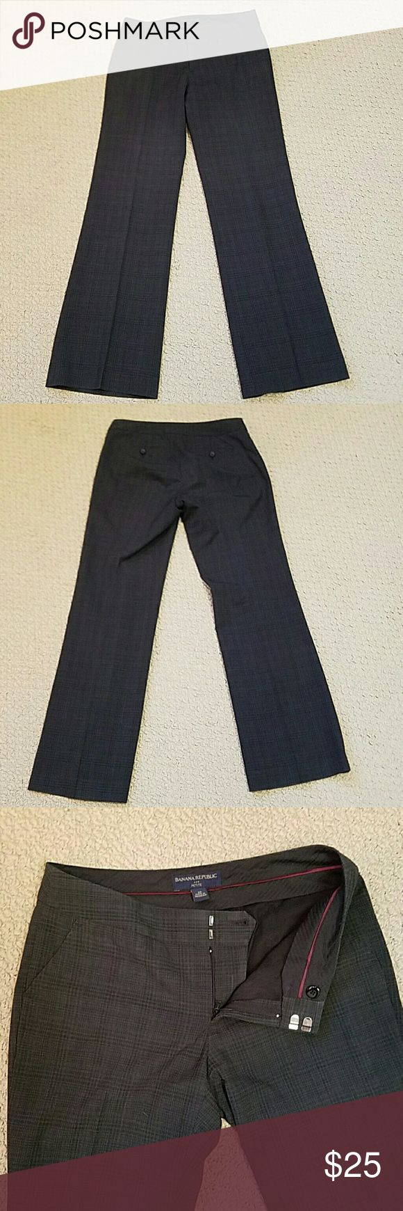 Banana Republic print dress slacks Banana Republic pattern dress slacks, fully lined with front pockets and buttoned back pockets.  Great condition and priced to sell. Banana Republic Pants Straight Leg
