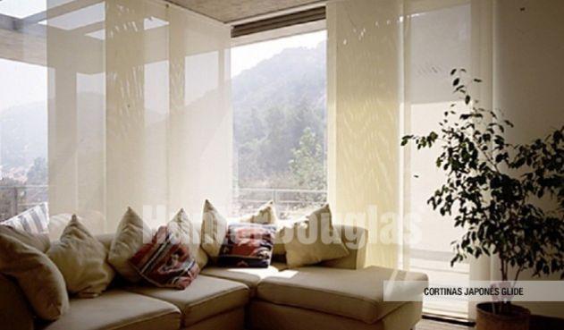 Las cortinas Panel Glide son paneles de telas pensados para grandes ventanales, perfectos como cortinas para oficinas, las cortinas del panel japonés son fáciles de limpiar y mantener. También permiten aislar los sonidos para lograr un espacio más armonioso.