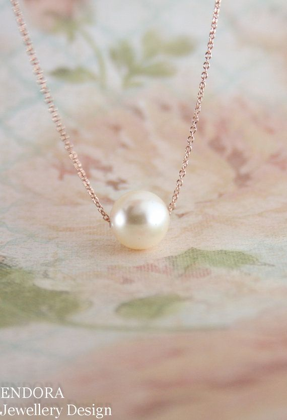 Floating pearl necklace | Cream pearl necklace | pearl necklace | wedding jewelry | bridal jewelry | bridesmaid necklace | www.endorajewellery.etsy.com