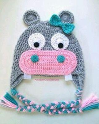 Una Linda Sra Hipopótamo ☺ #bebes #niños #niñas #crochet #colores #tachira #originales #diferentes #tejido #piccolina #bebe #ventas #regalo #ideal #hermoso #cute #sancristobal #venezuela #headband #cintillos #lazos #bow #chic #detalles #ganchos #babygirl #toddler #handmade #fieltro