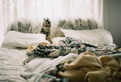 boho flowered bedding with lace curtain: Interior, Beds, Lace Curtains, Dream, Morning, Place, Bedroom, Floral
