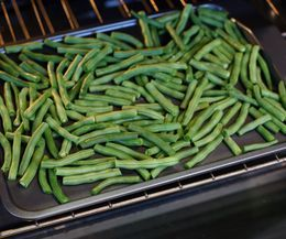 How to Dehydrate Green Beans for a Snack | eHow