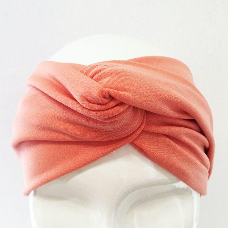 O Turbante virou a cabeça da mulherada e está super em alta! Dê um UP no seu look com um turbante aberto NSM!    Feito em tecido liganete, super macio e confortável!