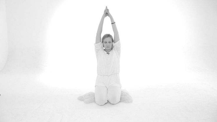 13 октября 2016 — это четырнадцатый лунный день, Луна в знаке Овна, стихия вода. Каждый класс кундалини йоги заканчивается длительной гонг медитацией. Научно уже доказано положительное воздействие гонга, а именно: звук гонга выводит человека из состояния стресса, путем воздействия на Бетта-ритмы головного мозга  Самое благоприятное время для работы со второй чакрой. #МудраWay #satyoga #персональнаяМудра #кундалинийога #таро #мудрость #крия #криядня #лунныйкалендарь #кундалинийога…