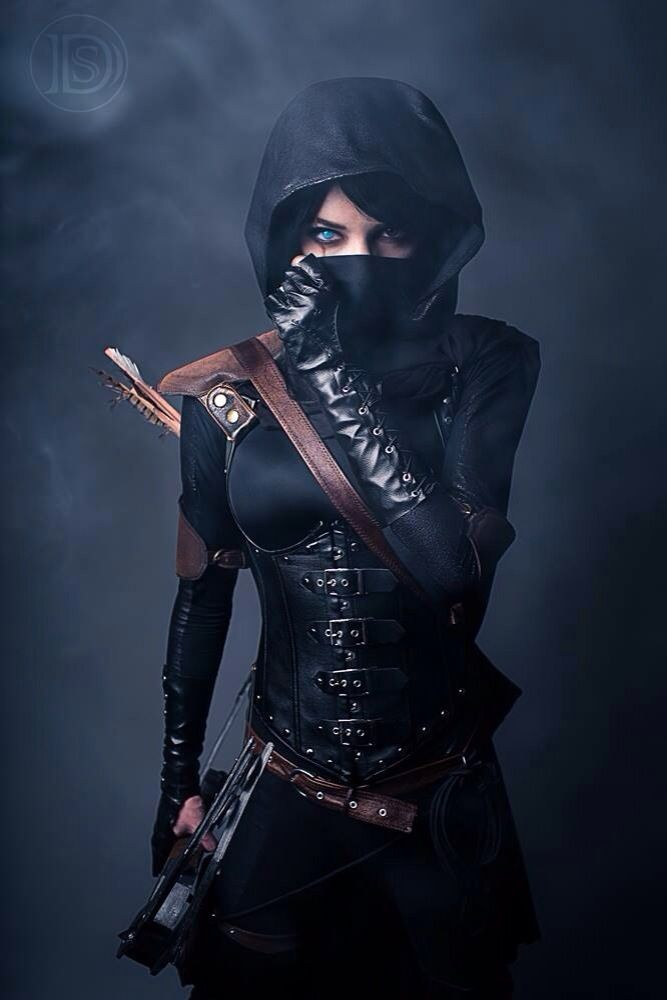 Again, the hair's the wrong color, but this would be Helene in Assassin mode.