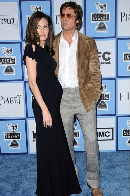 February 2008  The world found out that Angelina was pregnant again when she arrived at the Independent Spirit Awards in LA wearing a bump-revealing dress by Western Costume, with Gara Danielle jewellery and Christian Louboutin shoes
