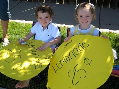 GREAT lemonade stand setup ideas for your little entrepreneurs.  #summer #lemonade #udderlysmooth