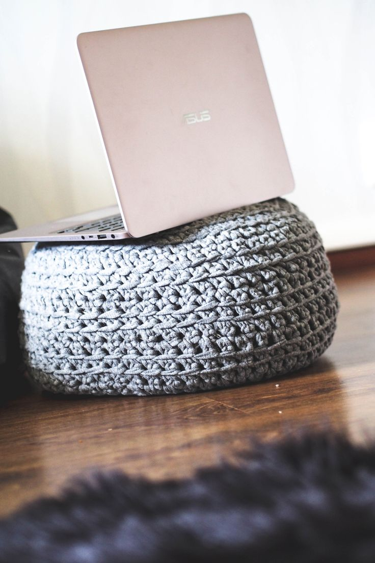 Cute laptop stand #asus #laptop #knitted #home #decoration #details